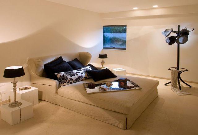 Sofa bed saat dibuka kemudian bermanfaat sebagai kasur