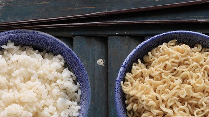 mie atau nasi