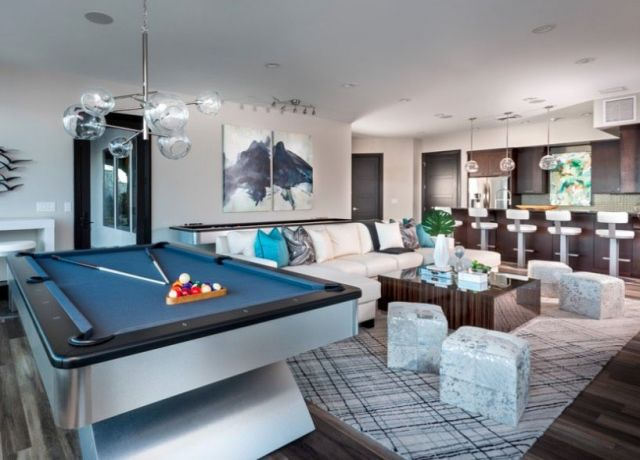 Ruang Santai dengan Billiard
