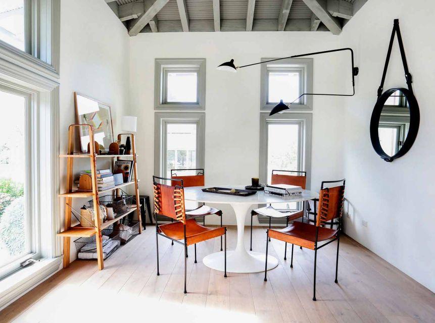 Ruang kerja dengan penyimpanan terbuka