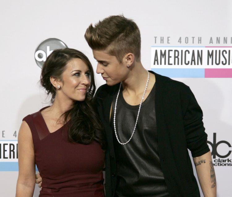 Bieber dengerin mamanya sih