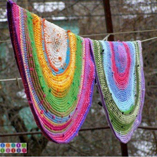 DIY Old Tshirt Crochet Rug
