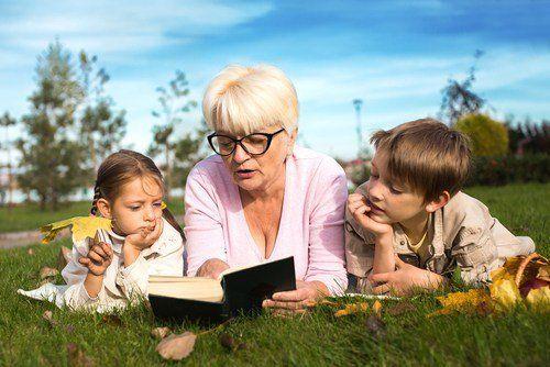 didongengin dongeng kesukaan orang tua dulu