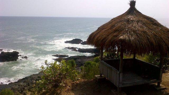 tepi pantai menganti