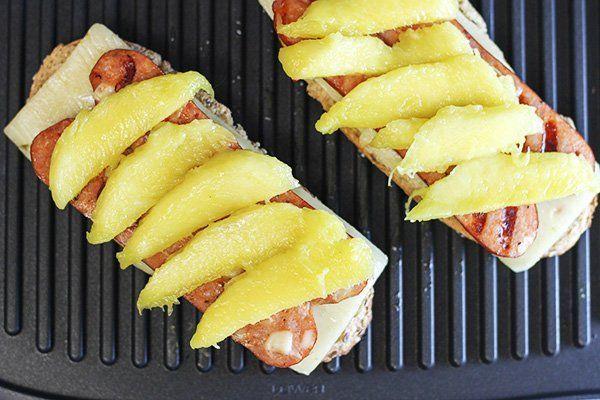 sandwich cheese mango