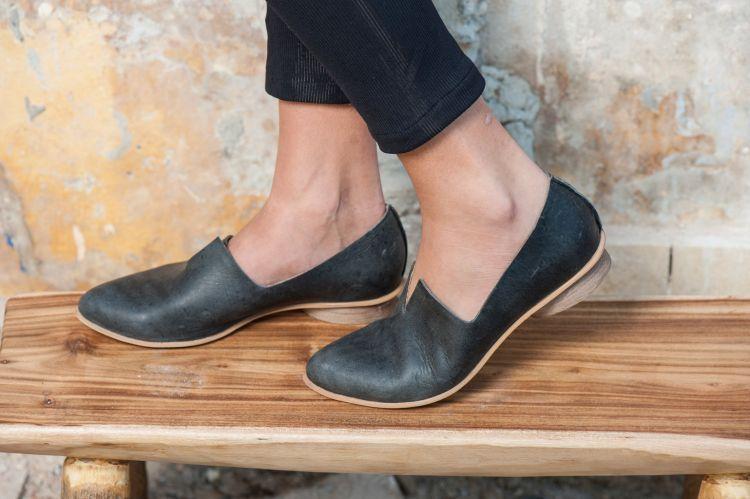 sepatu kulit yang wajib kamu punya