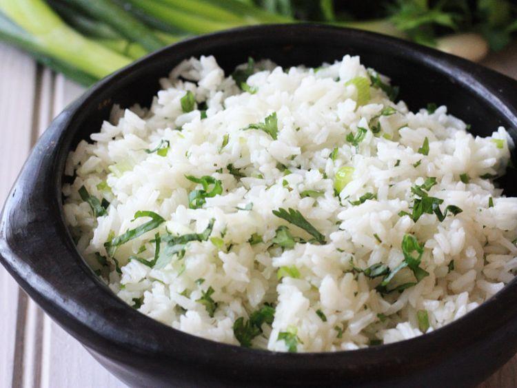 nasi daun bawang lengkap dengan coriander