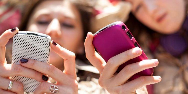 jangan mengeluh saja di media sosial, kamu bukan remaja lagi