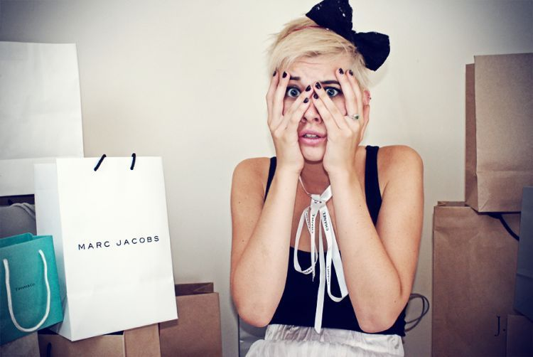 Susah mengendalikan diri? Belanja saja di akhir bulan