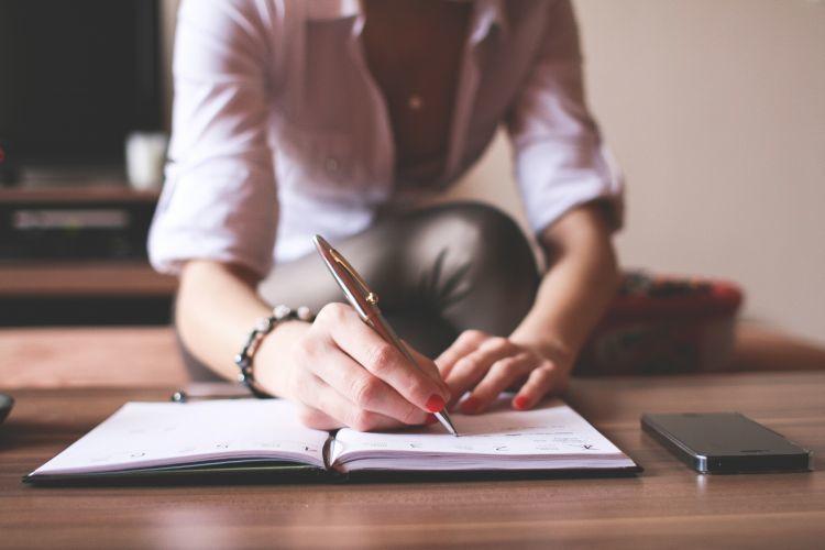 Tuliskan apapun di dalam jurnal milikmu