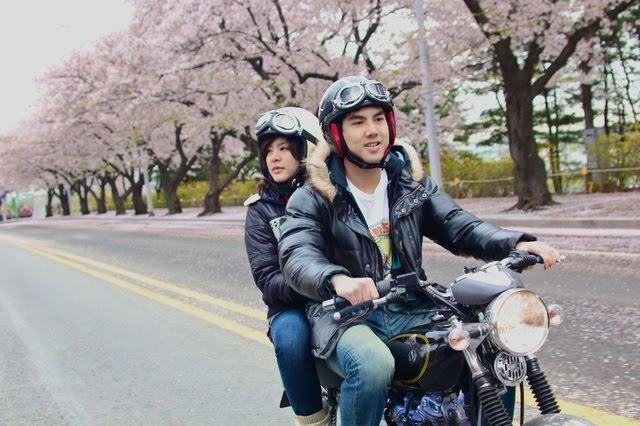 naik motor berdua itu romantis