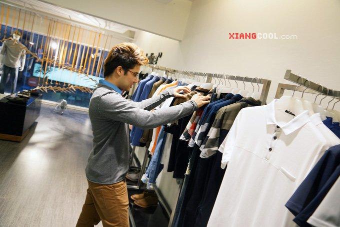 cowok jarang beli baju, tapi sekalinya beli bikin dompet tipis