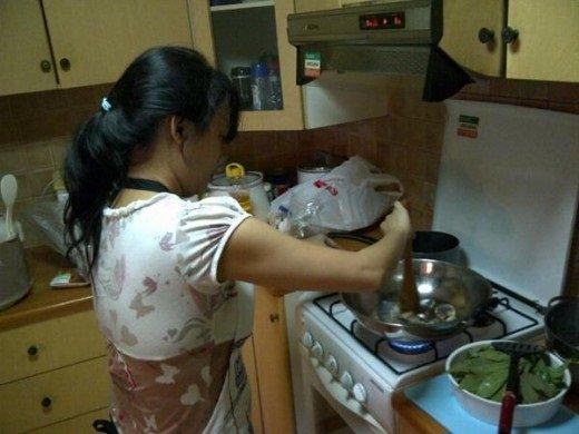 Masak-masak sendiri Cuci Baju sendiri Tidurpun sendiri