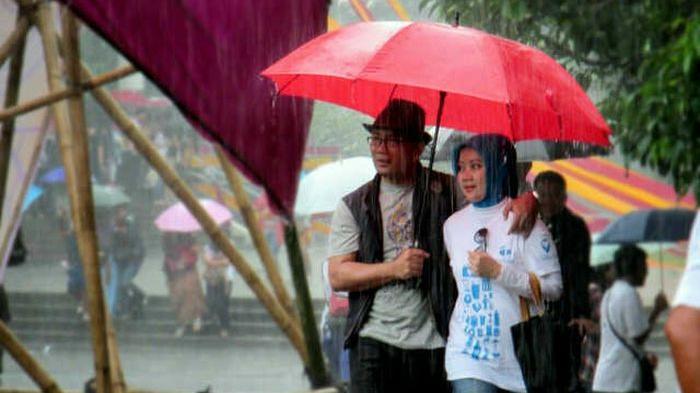 Bandung kota hujan? bukan para jomblo 'kan yang mengundang?