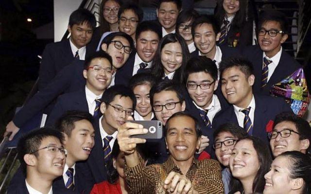 Kamu juga bisa foto dengan orang terkenal