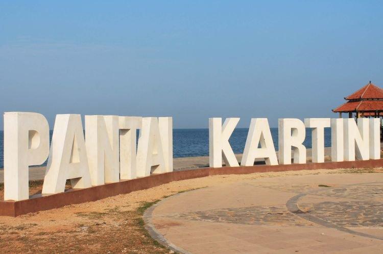 Penampakan Pantai Kartini, Jepara.