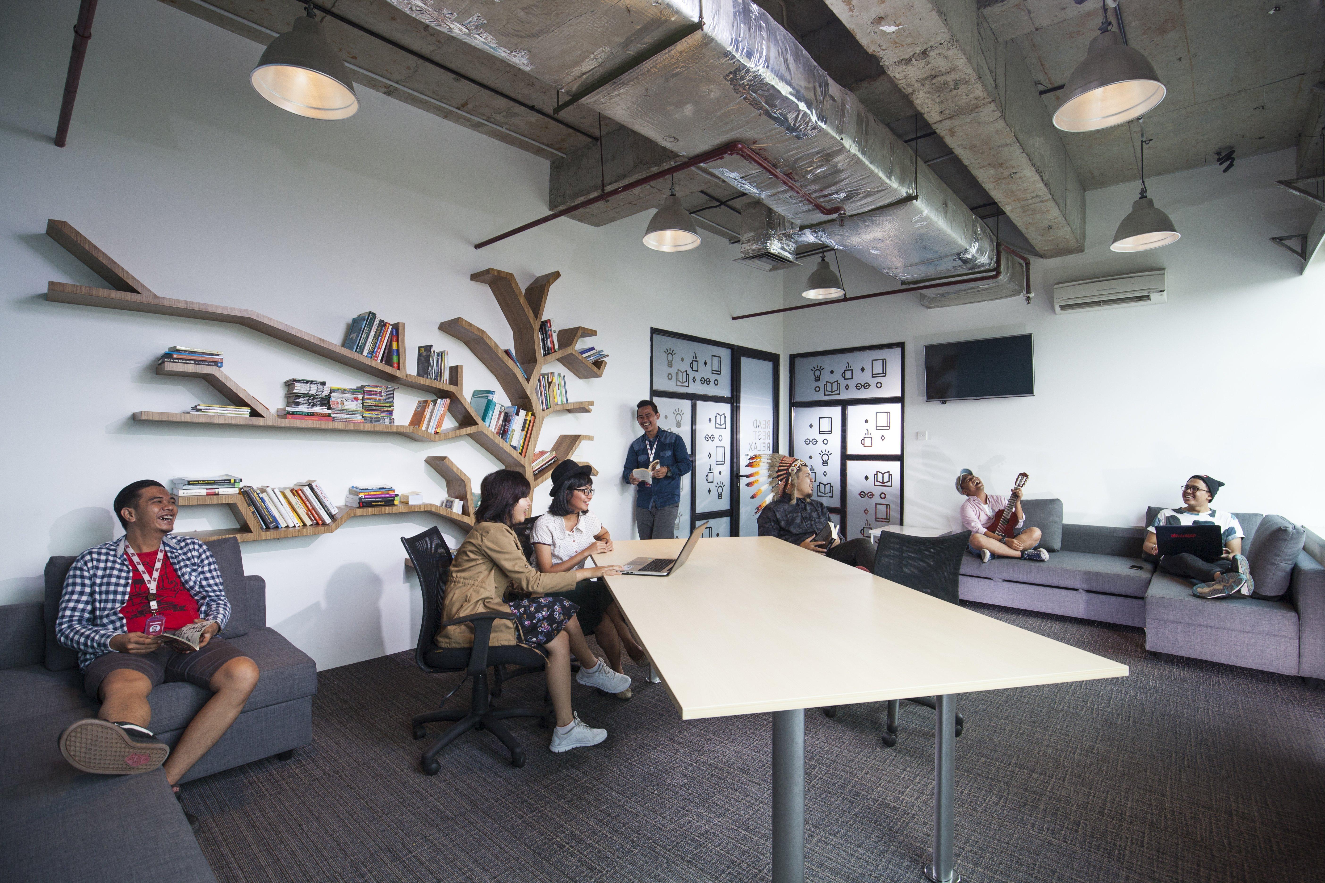 Library room di ruang kerja bisa jadi sumber inspirasi tak terduga