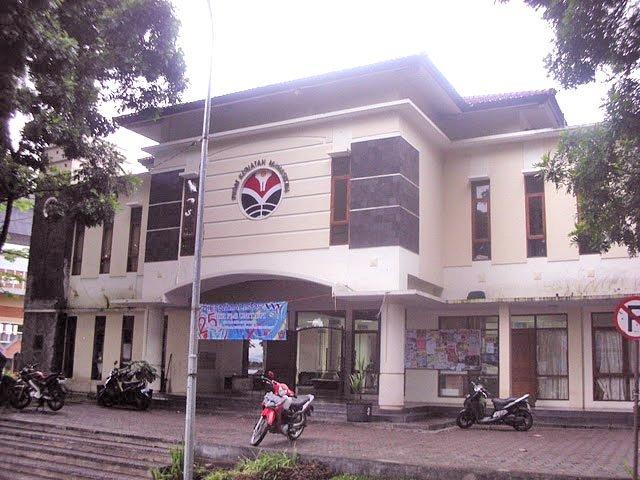 Gedung Geugeut - Winda, saksi kisah serunya UKM se- UPI.