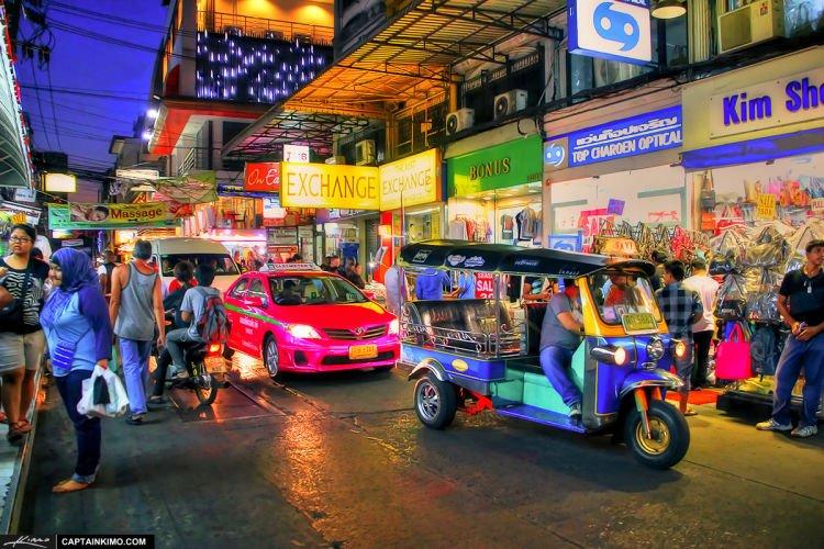 Tuktuk alias bajaj dari Thailand.