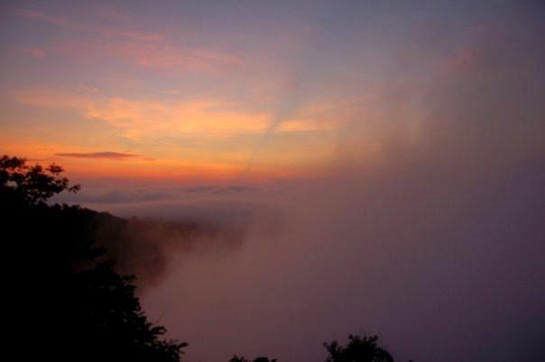 Arak-arakan awan gemawan yang menawan.