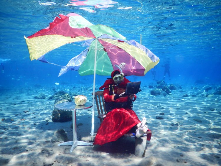 Skripsian di dasar laut. :(