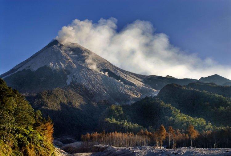 Panorama keindahan Merapi