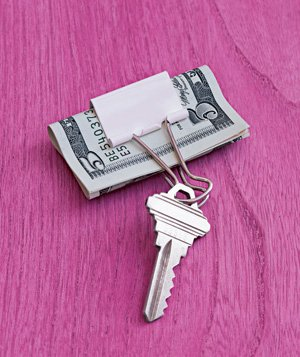 kalau kunci lupa, duit mungkin nggak bakal lupa, aha