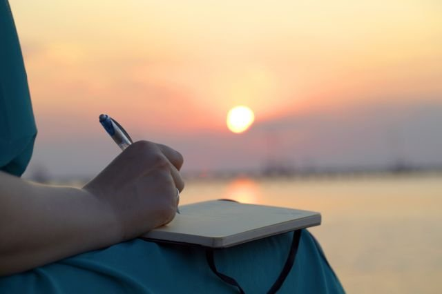 expressive-writing-therapy