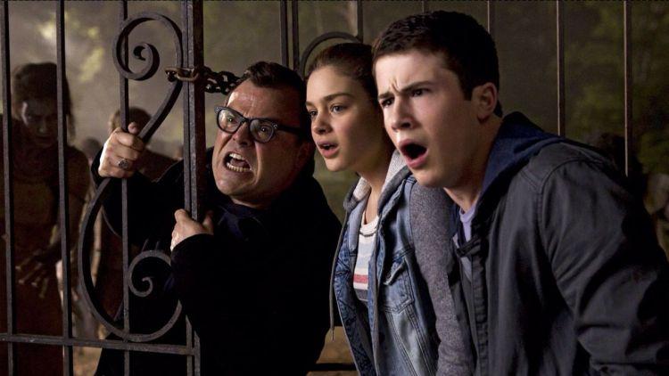 Film horor keluarga yang enak ditonton rame-rame.