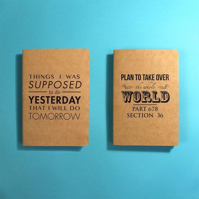 Buku catatan yang setiap hari kamu bawa.