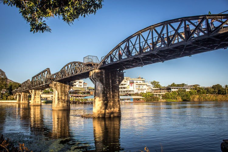 Jembatan sungai Kwai.