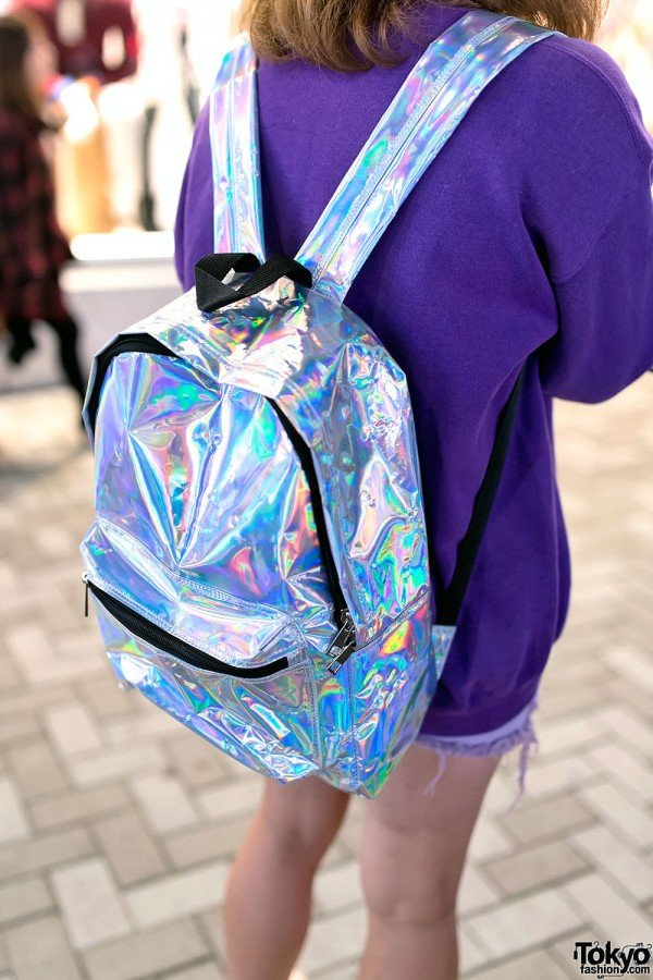 Tas punggung gaya milenium, kenapa engga?