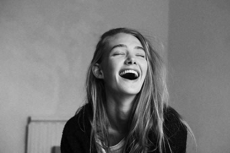 Tertawa itu obat awet muda