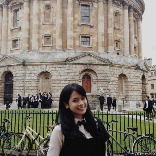 Kamu pasti ingin banget ya kaya Maudy Ayunda yang bisa belajar ke luar negeri.