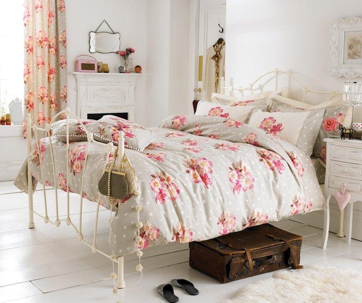 Cute bed sheet!