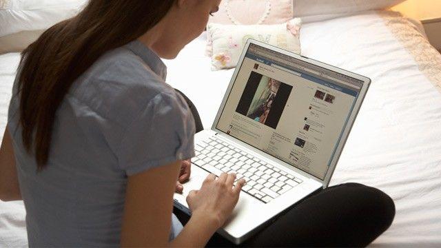 Lihat dia sedang online