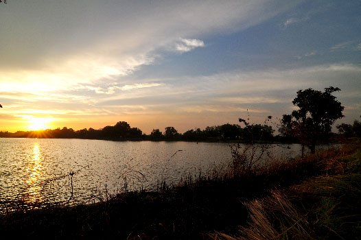 sunset di danau gaes