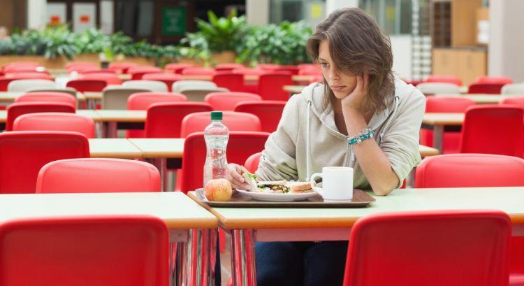 makan sendirian :(