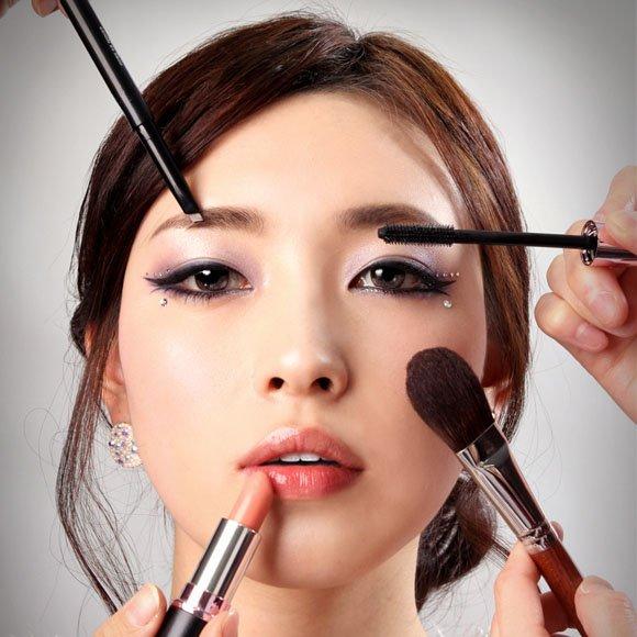 Suka Duka Menjadi Make Up Artist Pemula