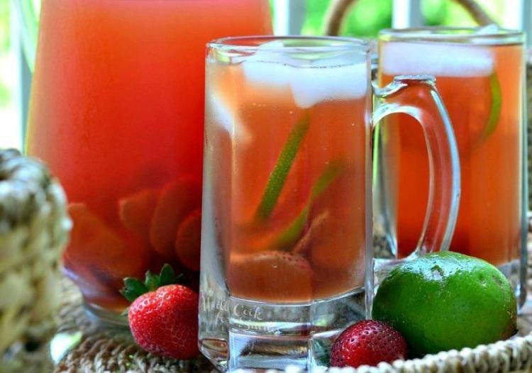 teh hitam + stroberi + jeruk nipis