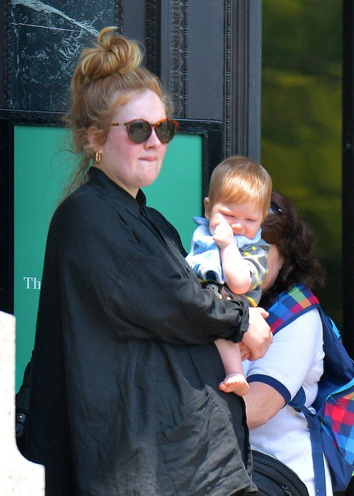Adele dan Angelo..
