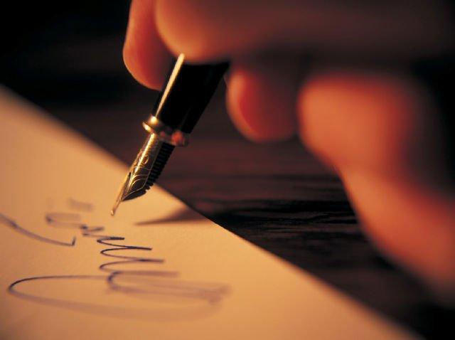 Biarkan kertas dan pena berbicara