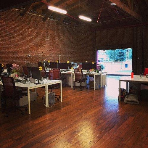 Rasanya kantor sepi.