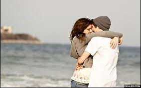 pelukmu menenangkanku