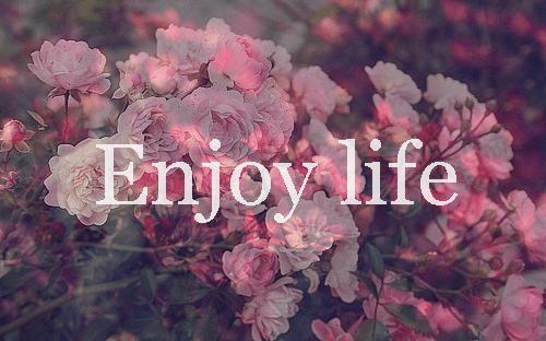 Cobalah untuk lebih santai dengan hidupmu.