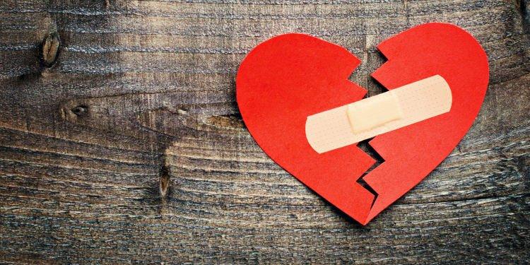 Memperbaiki patah hati