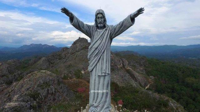 patung Tuhan Memberkati