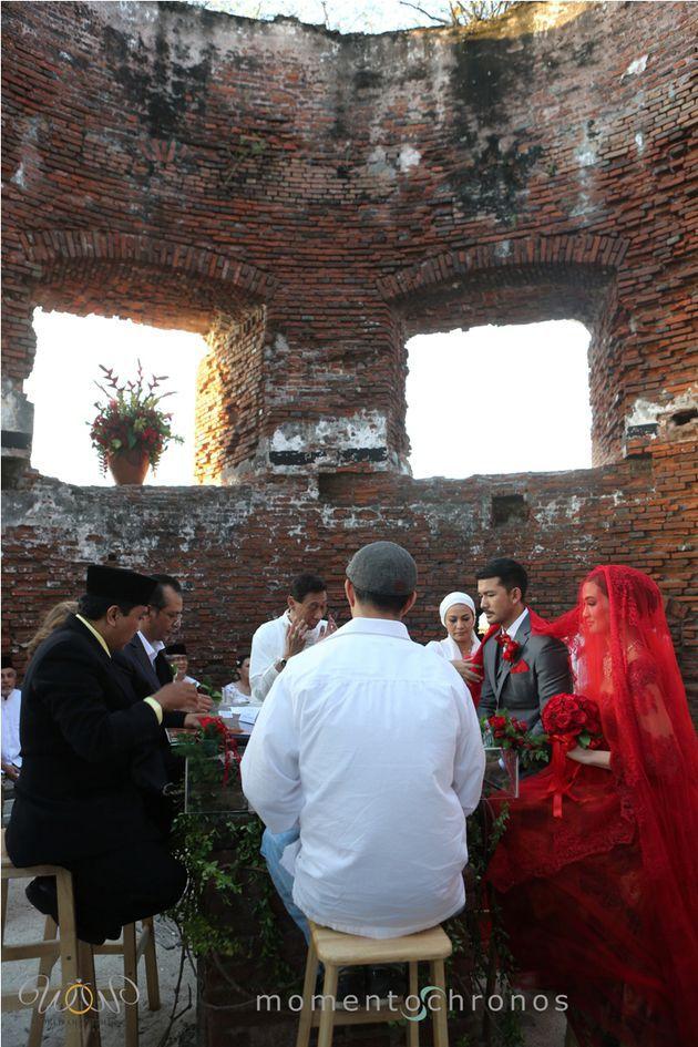 mbak Atiqah sama mas Rio aja nikahnya di pulau onrust