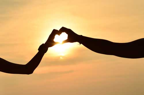 HUBUNGAN DEKAT : Mau Bertahan Lama? Ini Caranya Menjaga Hubungan