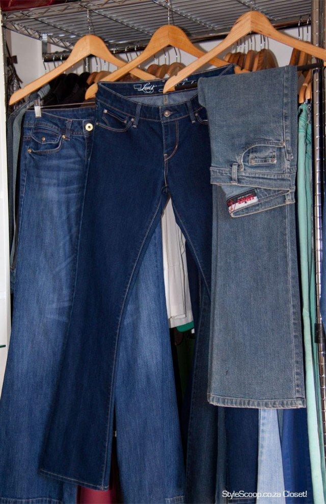 Lebih baik gantung jeans-mu dari pada melipatnya.